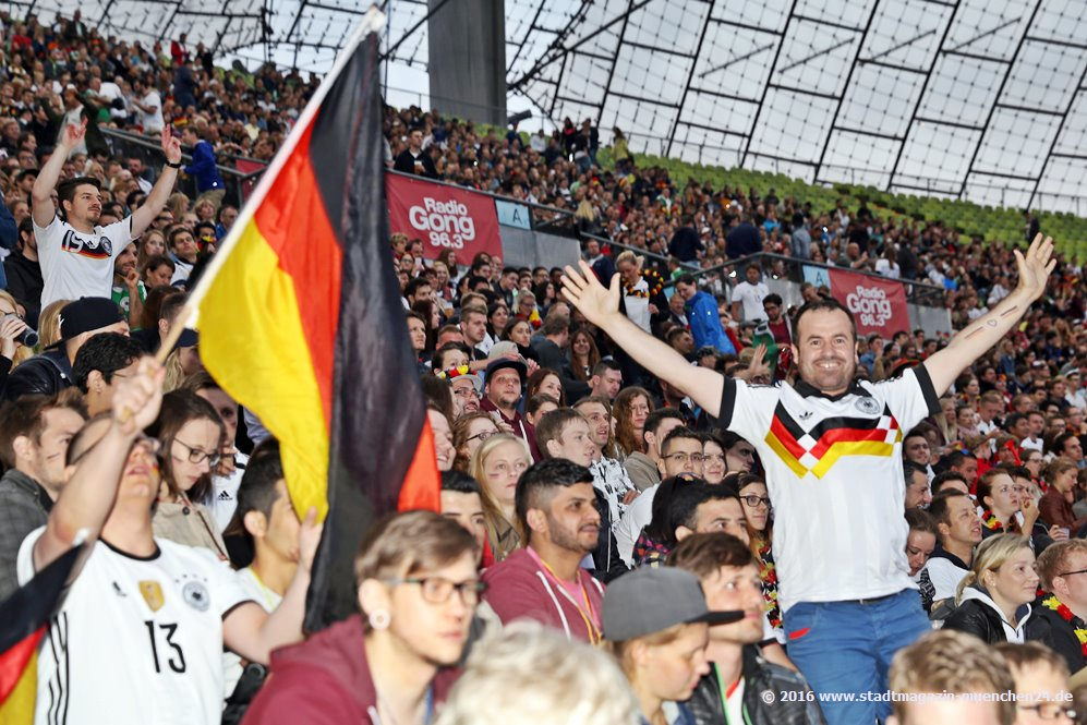 Public Viewing im Olympiastadion 2016