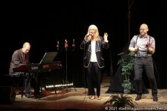 Steffen Zander, Linda Jo Rizzo, Christian Deussen (vpn li. nach re.), Back on Stage - zurück auf die Bühne ! Christian Deussen und Linda Jo Rizzo auf der Kulturbühne Hinterhalt in Geretsried 2021
