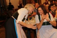 Sabine von Meyeren und Ilse Aigner (re.), Aufzeichnung der BR Brettlspitzen IX im Hofbräuhaus in München 2018