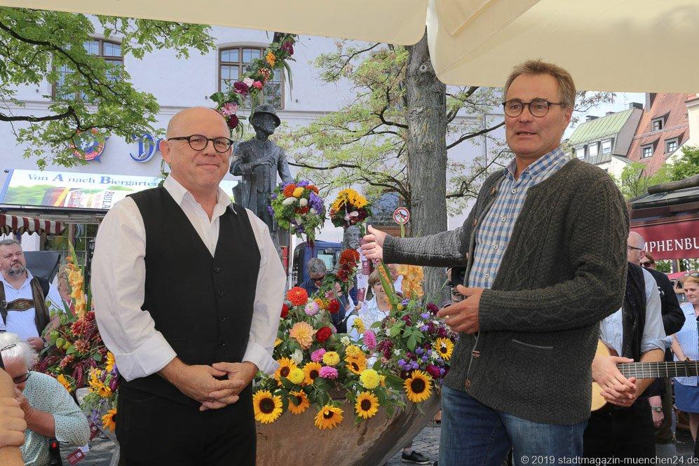Jürgen Kirner und Anton Biebl (re.),  Brunnenfest  am Viktualienmarkt in München 2019
