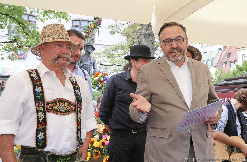Manfred Klein und Anton Biebl (re.),  Brunnenfest  am Viktualienmarkt in München 2019
