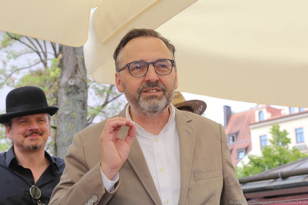 Anton Biebl,  Brunnenfest  am Viktualienmarkt in München 2019