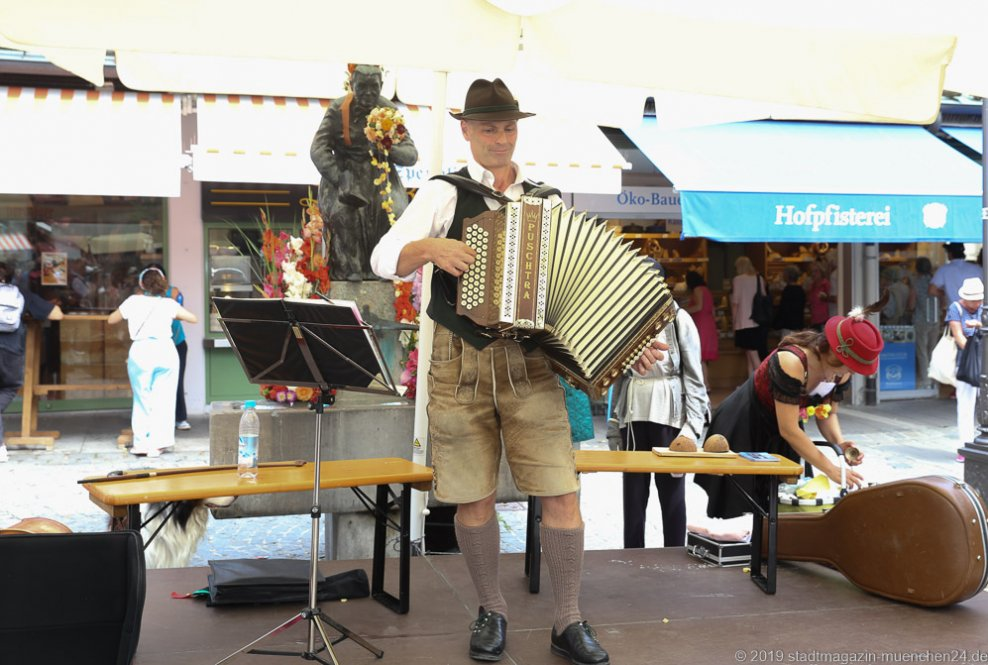 Georg Klaffenbacher,  Brunnenfest  am Viktualienmarkt in München 2019