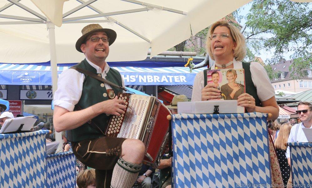Zwoagschroa,  Brunnenfest  am Viktualienmarkt in München 2019
