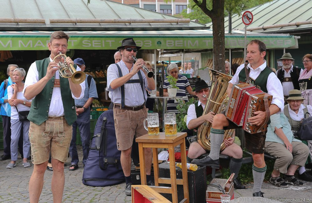 Seehof Musik,  Brunnenfest  am Viktualienmarkt in München 2019