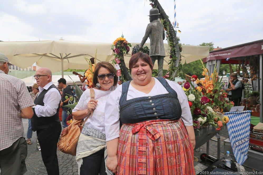 Gitti Walbrun (li.) und Ingrid Gericke (re.),  Brunnenfest  am Viktualienmarkt in München 2019