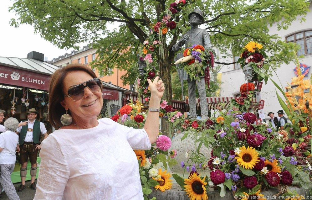 Gitti Walbrun,  Brunnenfest  am Viktualienmarkt in München 2019