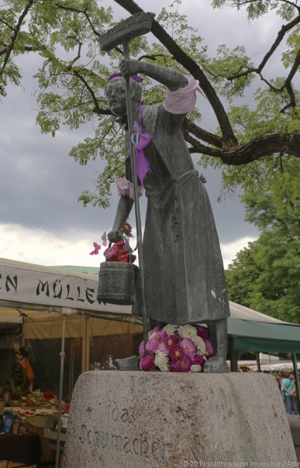 Ida Schumacher Brunnen,  Brunnenfest  am Viktualienmarkt in München 2019