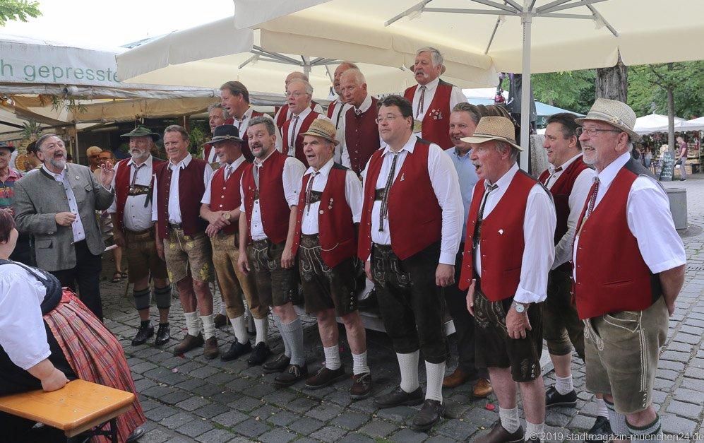 Sängerkreis Ottobrunn,  Brunnenfest  am Viktualienmarkt in München 2019