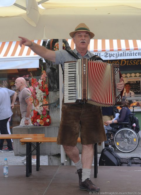 Rudi Möller,  Brunnenfest  am Viktualienmarkt in München 2019