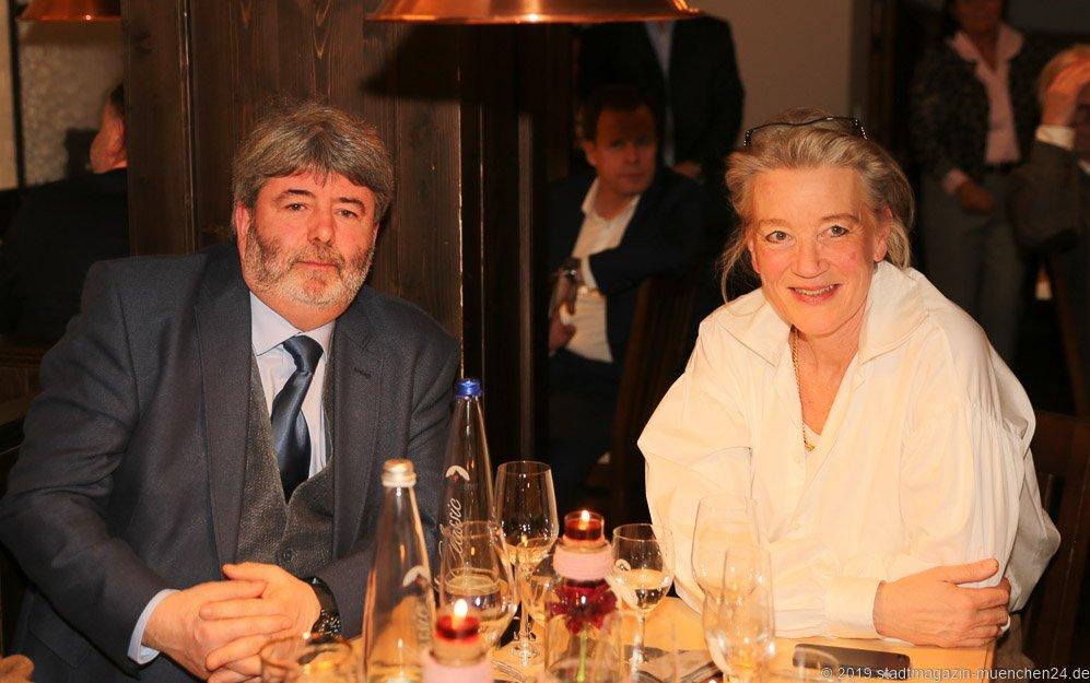 Paul Daly und Dr. Irene Teichert von Lüttichau, Jahresessen der Innenstadtwirte im Gasthaus zum Stifl in München 2019