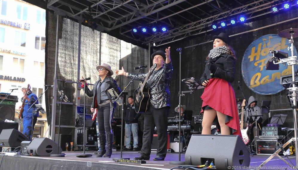 München Narrisch Högl Fun Band am Marienplatz in München 2019