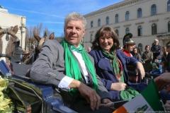 Dieter Reiter mit Frau Petra, Parade St. Patricks Day in der Ludwigstraße in München 2019