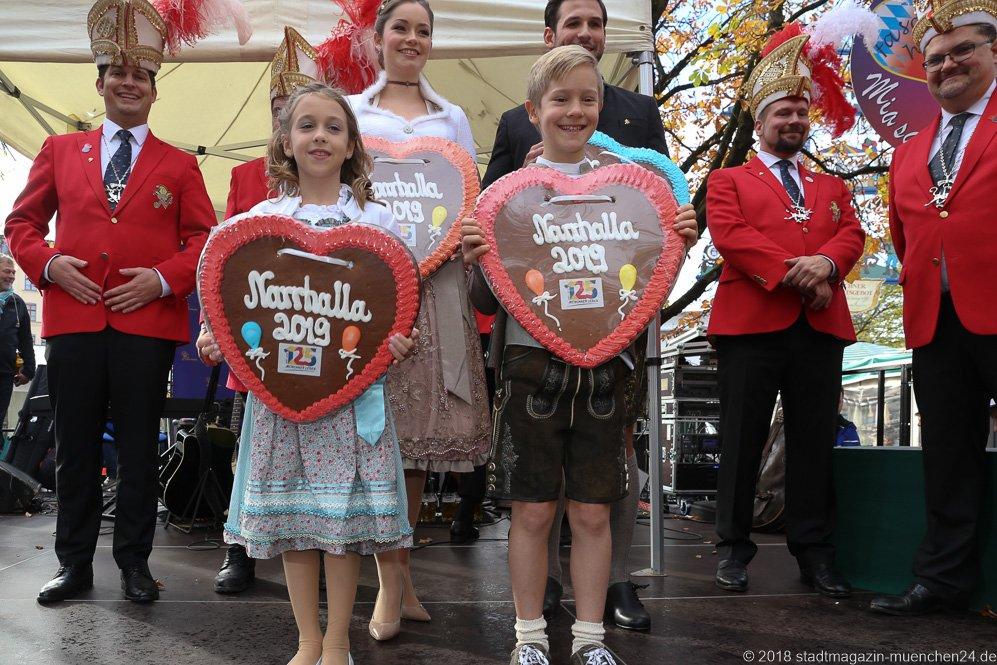 Kinderprinzenpaar Juli I. und Maracus I., Proklamation Narrhalle Prinzenpaar 2019 am Viktualienmarkt in München 2018