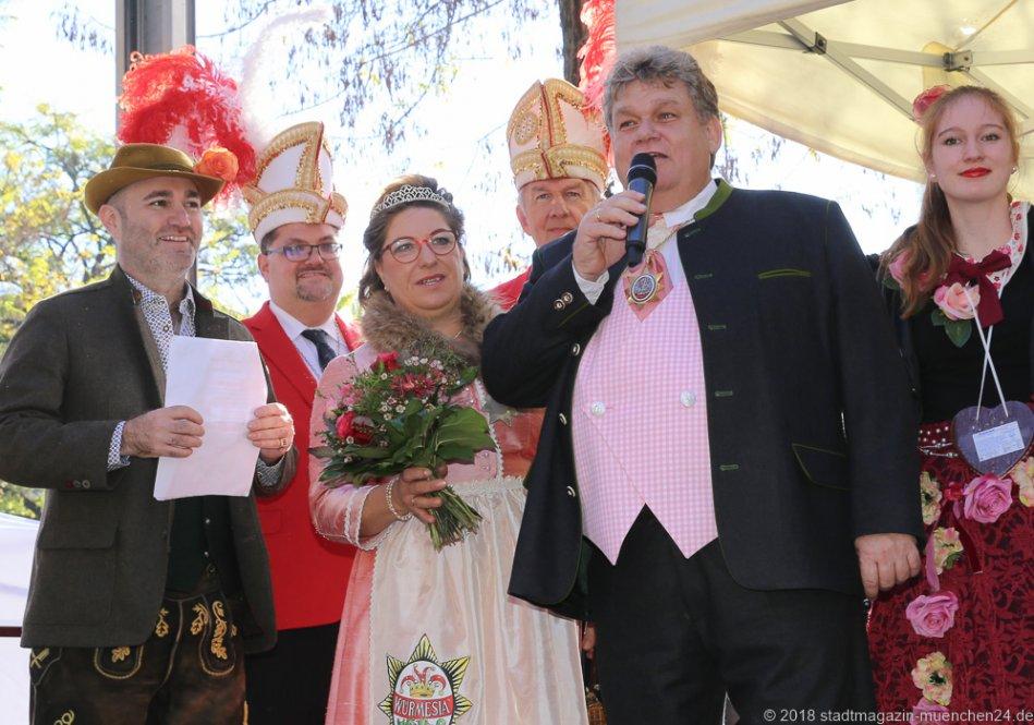 Armin Jumel, Werner Trollmann, Regina I. und Hans III. (Würmesia 2018), Proklamation Narrhalle Prinzenpaar 2019 am Viktualienmarkt in München 2018