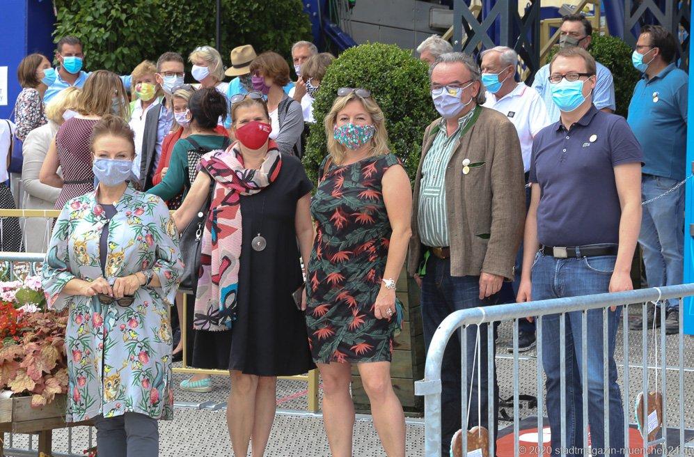 Ulrike Grimm,  Julia Schönfeld-Knor, Anja Berger, Klaus Peter Rupp, Felix Sproll (von li. nach re.), Sommer in der Stadt am Königsplatz in München 2020