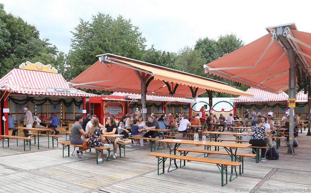 Weißbiergarten, Sommer in der Stadt auf dem Tollwoodgelände im Olympiapark in München 2020