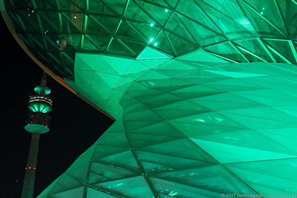 St Patrick S Day Greening Heute Strahlen Allianz Arena Olympiaturm Und Bmw Welt In Gr 252 N