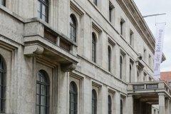 Zentralinstitut für Kunstgeschichte, ehemaliger NSDAP Verwaltungsbau, Beflaggung zum Tag der Befreiung von München vor 75 Jahren  2020