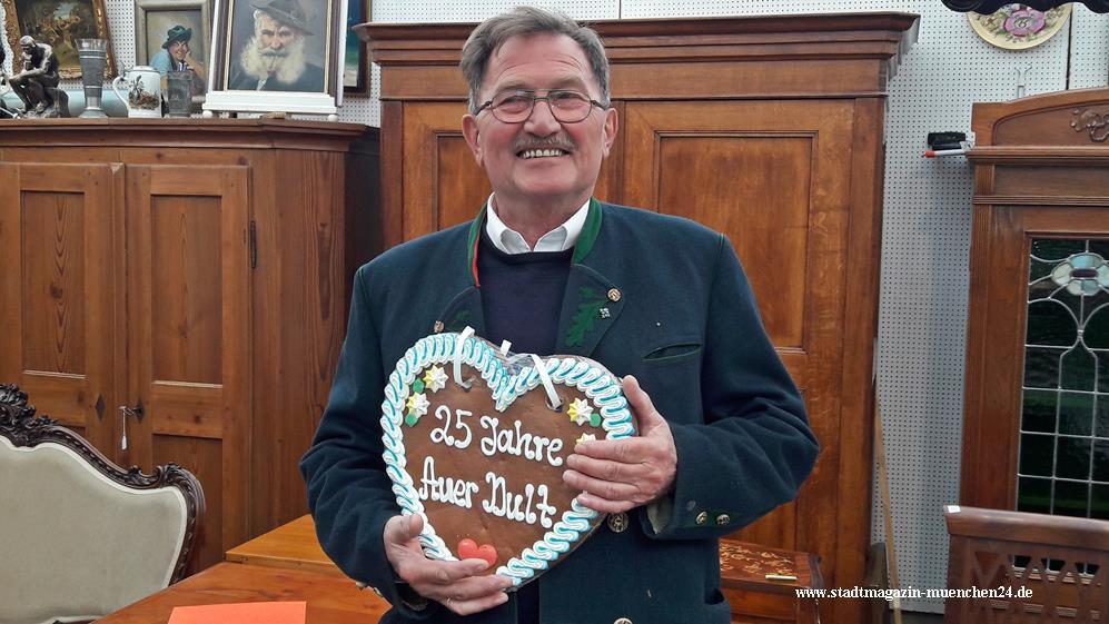 Ehrung Otto Blum 25 Jahre Auer Dult in München