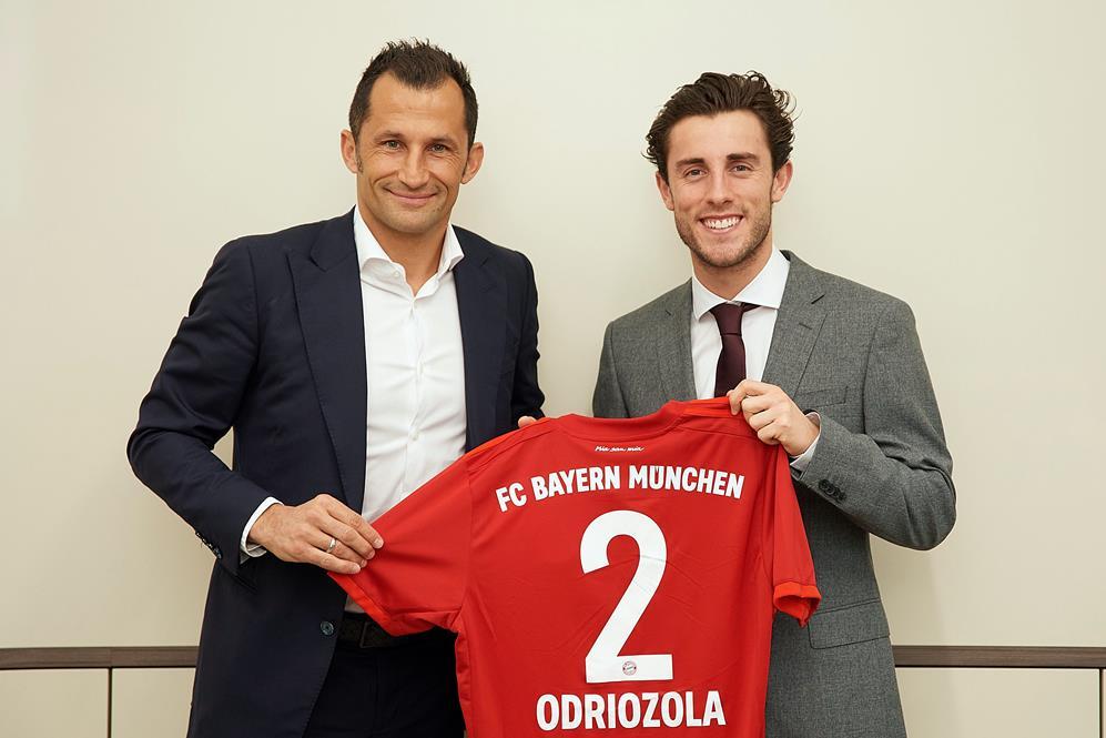 FC Bayern leiht Álvaro Odriozola